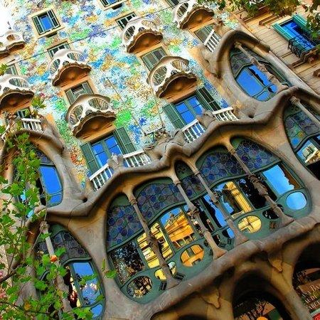 passeig-de-gracia-weekend-barcelone