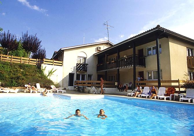 Top 5 des r sidences avec piscine cet t - Residence vacances var avec piscine ...