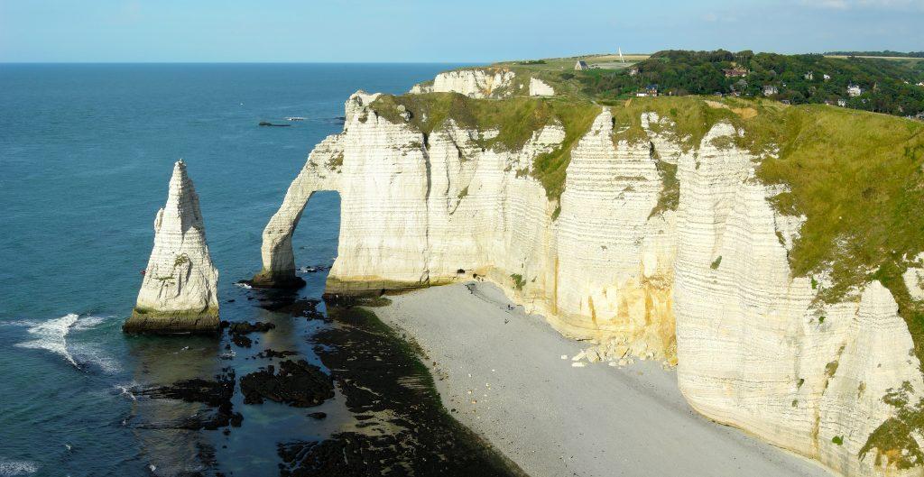 L'Aiguille_et_la_Porte_d'Aval-Etretat-Normandie