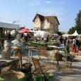 Vue_du_marché_à_la_brocante_et_aux_antiquités_à_l'Isle-sur-la-Sorgue