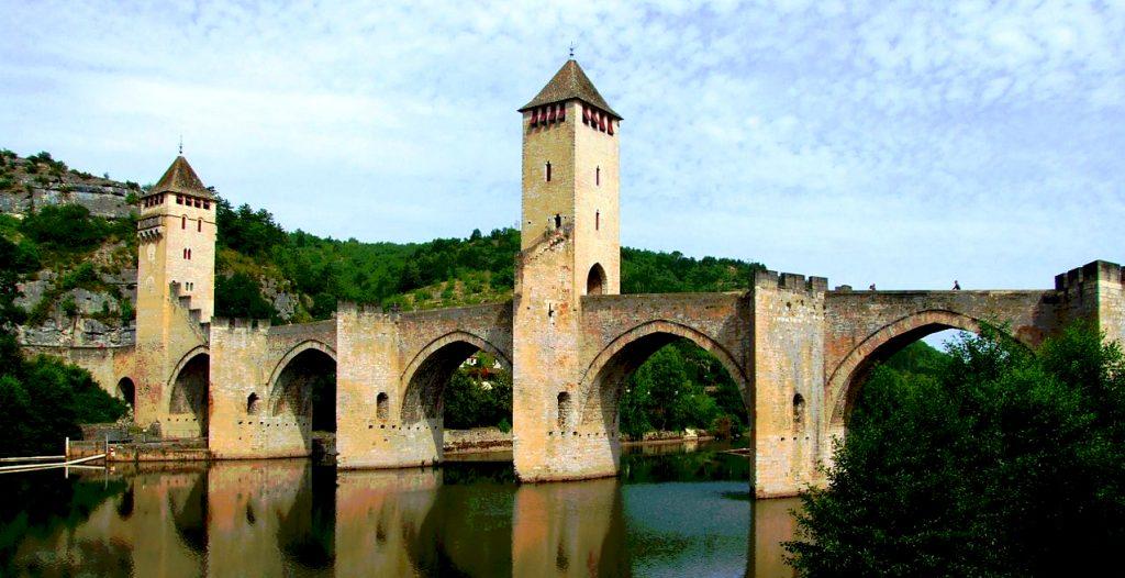 1280px-Cahors_-_Pont_Valentré_