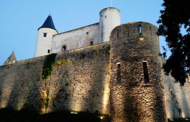 1280px-Château_de_Noirmoutier_au_crépuscule_02 (1)